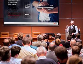 Nos dedicamos a realizar presentaciones para cursos de formación, mejorando la comunicación